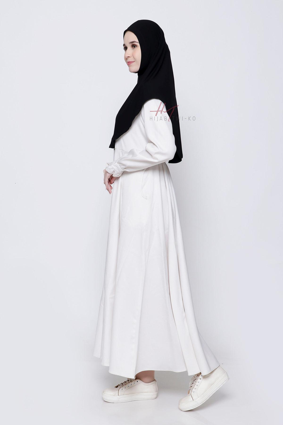 Nihaya-Hijab-Black-Website-2